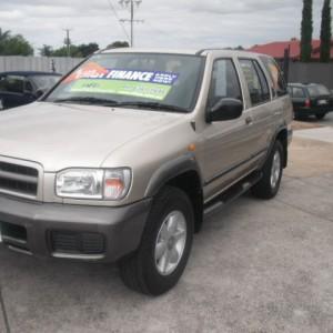 2000 Nissan Pathfinder Wagon