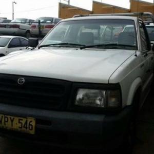 1998 Mazda B2600 Bravo White 5 Speed Manual Cab Chassis
