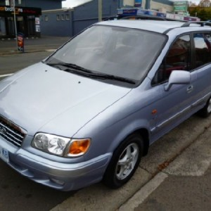 2003 Hyundai Trajet GLS Wagon.