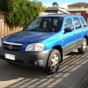 2003 Mazda Tribute Classic 4×4 Wagon.