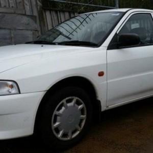 2001 Mitsubishi Lancer CE GLI White 5 Speed Manual Sedan