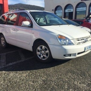 2010 Kia Grand Carnival VQ MY11 Si Tiptronic Clear White 5 Speed Sports Automatic Wagon