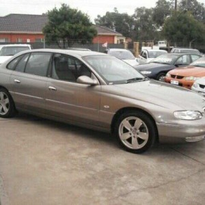 1999 Holden Caprice WH Gold 4 Speed Automatic Sedan