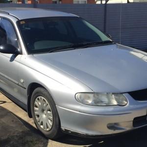 00 Holden Commodore