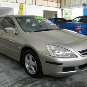 '05 Honda Accord Luxury Sedan with INSTANT FINANCE!*