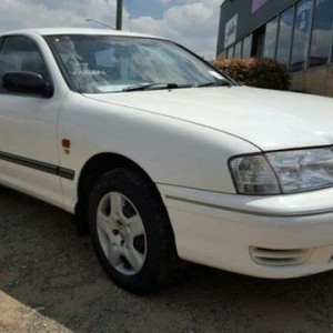 2000 Toyota Avalon MCX10R Conquest White 4 Speed Automatic Sedan