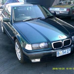 BMW 318is Sedan. 1997 Automatic 4 cyl