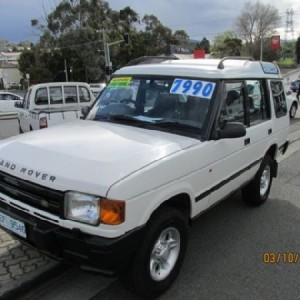 Land Rover Discovery TDi 4×4 Wagon. 1999 Automatic 4 cyl Diesel Turbo