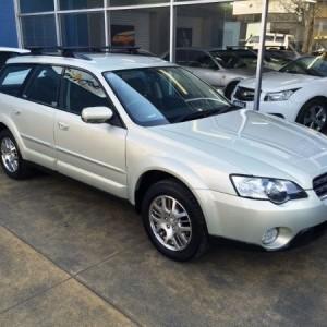 Subaru Outback 4WD Wagon. 2005 Semi Automatic Flat 4
