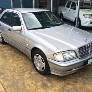 Mercedes-Benz C180 Classic Sedan. 1999 Automatic 4 cyl