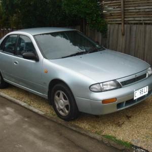 1994 Nissan Bluebird Sedan