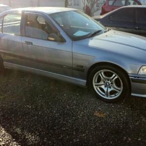 BMW 318i Sedan. 1993 Automatic 4 cyl