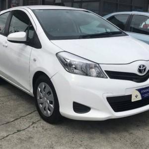 2014 Toyota Yaris YRS White 4 Speed Automatic Hatchback