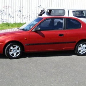 01 HYUNDAI ACCENT GL HATCHBACK