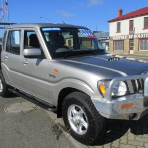2010 MAHINDRA PIK UP DUALCAB Manual 4 cyl 4WD