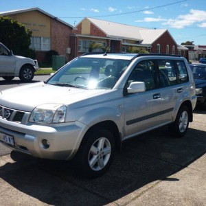 2006 Nissan X-trail 4×4 manual Wagon.