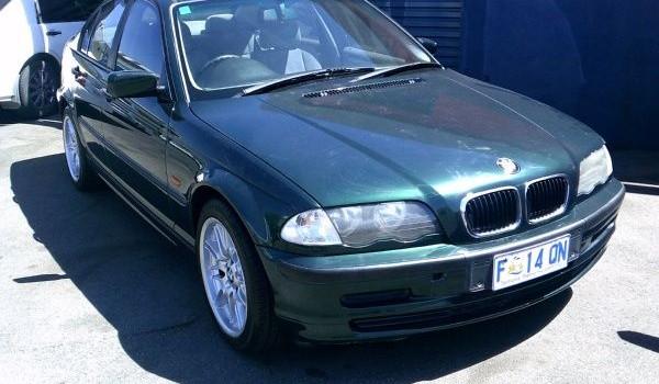 BMW 318i Sedan 1998 Automatic 4 cyl