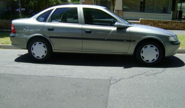 1998 Holden Vectra Sedan