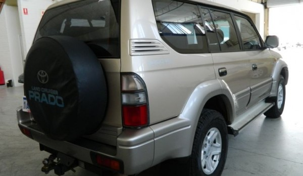 '99 Toyota LandCruiser VX Grande 4X4 Wgn w/ NO DEPOSIT FINANCE!*