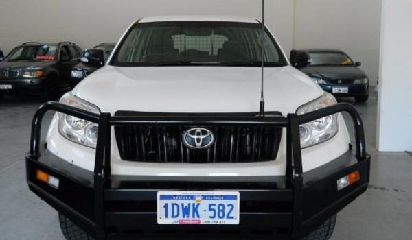 '12 Toyota LandCruiser Manual Wagon with NO DEPOSIT FINANCE!*