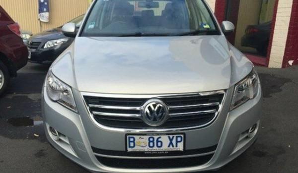 2011 Volkswagen Tiguan Silver Leaf Auto Sportshift Wagon
