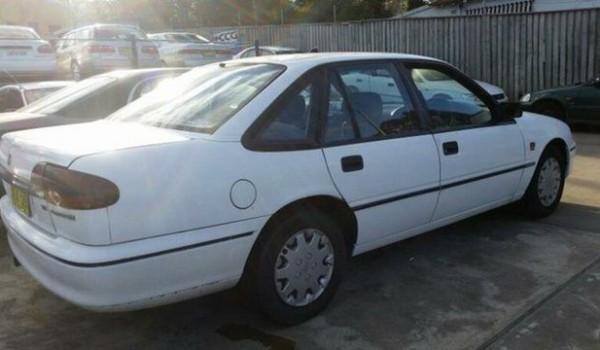 1994 Holden Commodore VRII Executive White 4 Speed Automatic Sedan