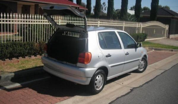 1999 Volkswagen Polo Silver 5 Speed Manual Hatchback