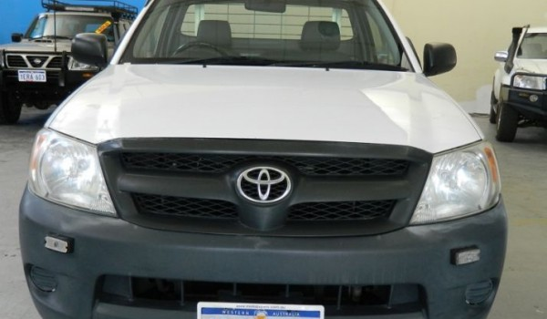 05 Toyota Hilux Workmate Cab Chassis with NO DEPOSIT FINANCE!