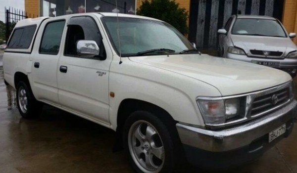 2000 Toyota Hilux RZN149R SR5 White 4 Speed Automatic Dual Cab Pick-up