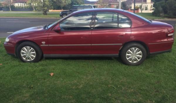 2000 Holden Commodore Sedanij
