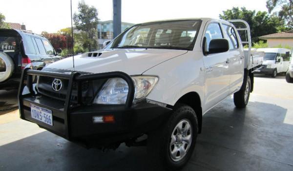 Toyota Hilux 4×4 KUN26R Dual Cab Tray Back