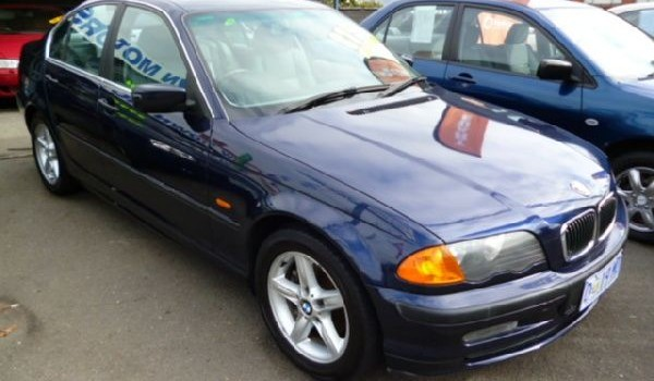 1999 BMW 323i Sedan.