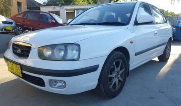 2001 Hyundai Elantra XD GLS White 5 Speed Manual Hatchback