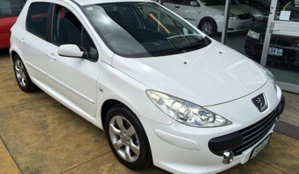 2007 Peugeot 307 MY06 Upgrade XS 1.6 White 4 Speed Tiptronic Hatchback