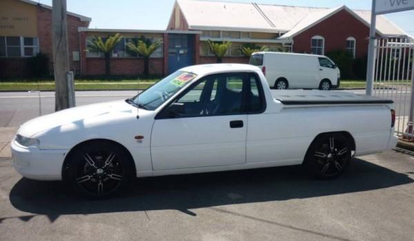 1996 Holden Commodore 5 speed manual Ute.