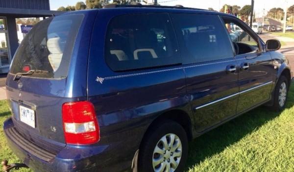 2004 Kia Carnival Wagon