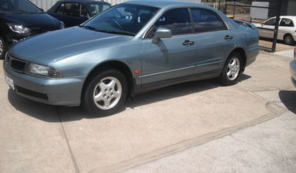 1998 Mitsubishi Magna Sedan