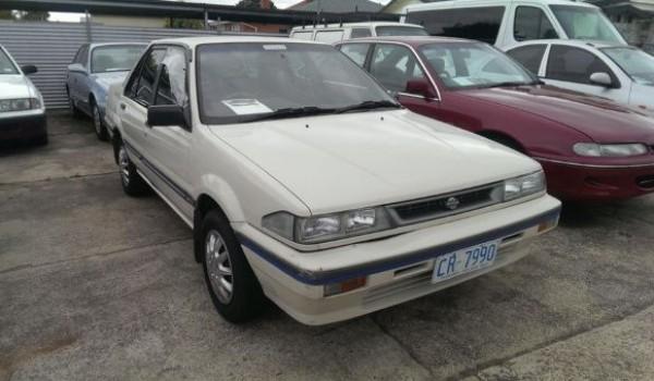 1990 Nissan Pulsar GX Vector Sedan.