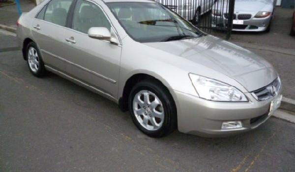 2005 Honda Accord V6 Luxury Sedan