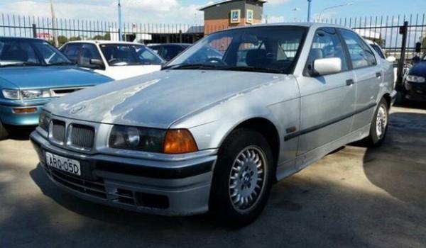 1992 BMW 318I Silver 4 Speed Automatic Sedan