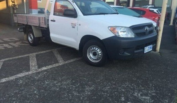 2008 Toyota Hilux TGN16R MY08 Workmate Glacier White 5 Speed Manual Cab Chassis
