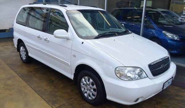 2005 Kia Carnival LS Wagon (MY2004)