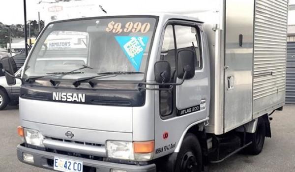 1992 Nissan ATLAS truck