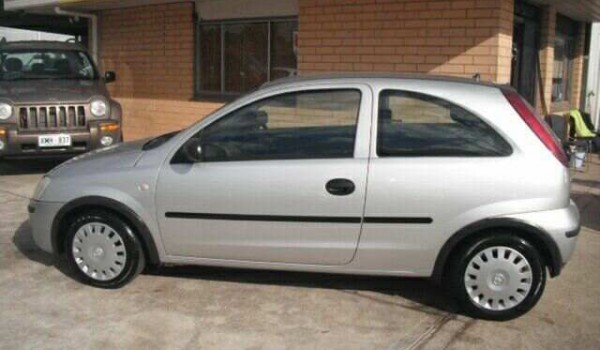 2004 Holden Barina XC (MY04.5) Silver 4 Speed Automatic Hatchback